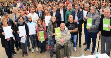 Más de 500 familias recibieron sus escrituras y firmaron actas de posesión en José C. Paz