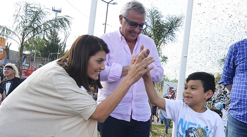 Julio Zamora inauguró los juegos y nueva plazoleta del barrio Los Tábanos en Tigre norte
