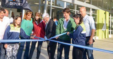 Andreotti inauguró el Polideportivo N° 10 en Victoria, cerca del río