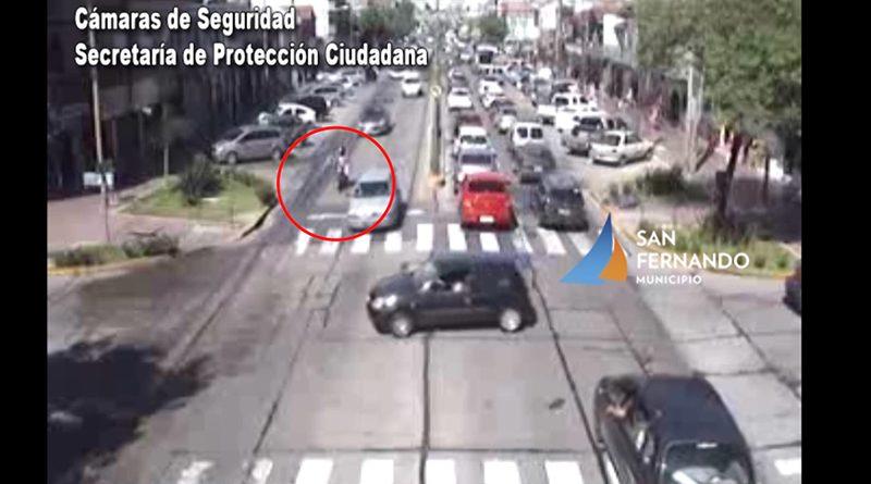 San Fernando: Cámaras de Seguridad permiten brindar asistencia a motociclista que chocó contra un auto