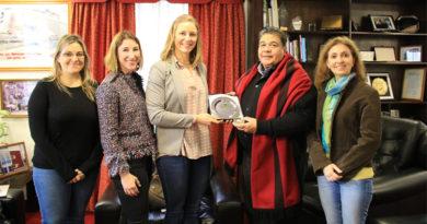 Altos funcionarios de la Embajada de los Estados unidos visitaron al Intendente Mario Ishii
