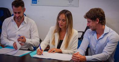 Malena Galmarini firmó un convenio para realizar obras de agua y cloaca en Pilar y San Fernando
