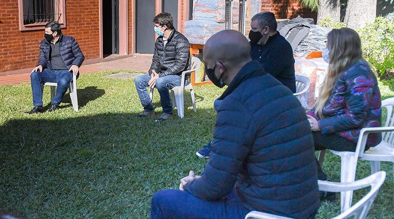 Juan Andreotti y Daniel Arroyo iniciaron el ´Operativo Invierno´ con la ayuda a una parroquia