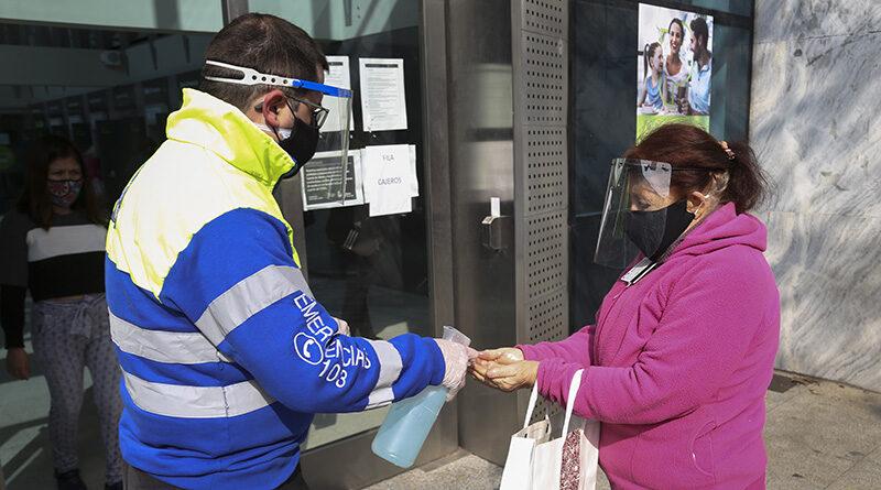 Defensa Civil sigue asistiendo y acompañando a los vecinos en zonas bancarias