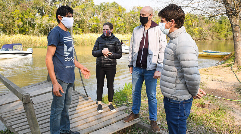 Juan Andreotti visitó familias de Islas de San Fernando donde el Municipio instaló paneles solares