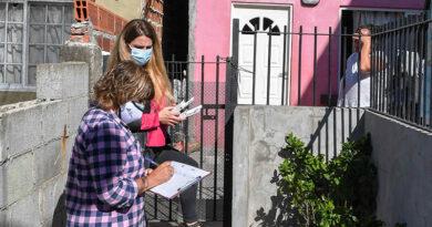 Operativo de prevención de Covid-19 y Dengue en el barrio Alsina y visita a un vacunatorio contra COVID-19