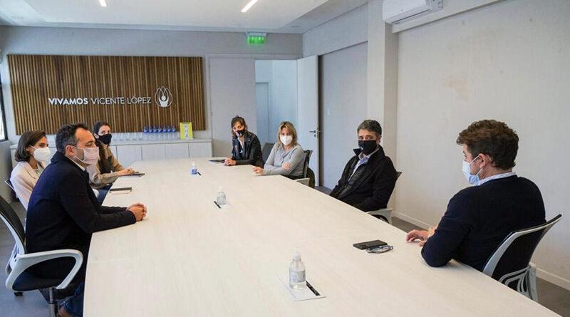 Acuerdo entre Vicente López y Uber para llevar a los adultos mayores a vacunarse