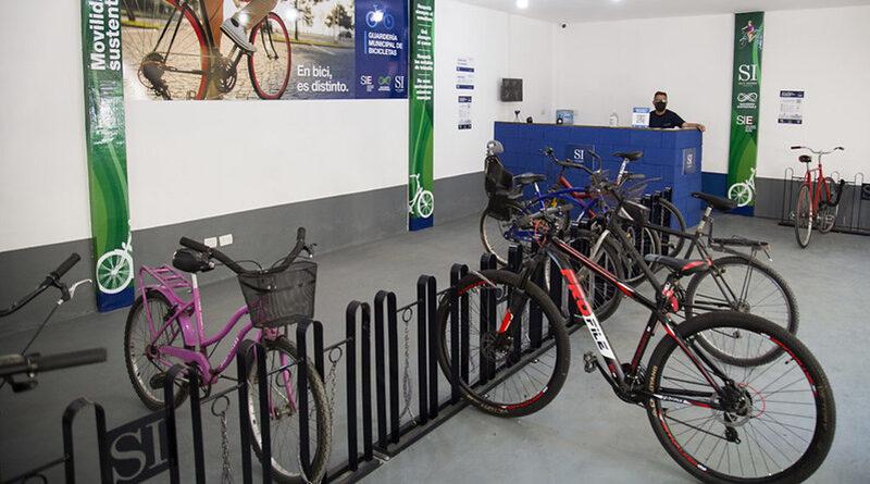 Nuevaguardería municipal de bicicletas en la estación de San Isidro